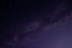 空に浮かぶ星たちの写真素材 [FYI04602584]