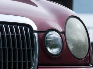 レトロな車のヘッドライトの写真素材 [FYI04602648]