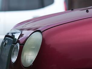 レトロな車のヘッドライトの写真素材 [FYI04602649]