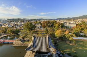 松本城から見た松本市市内 長野県松本市の写真素材 [FYI04603091]