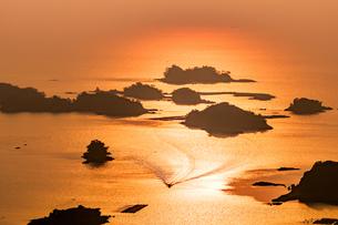 九十九島の夕景の写真素材 [FYI04603694]