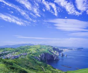 北海道 自然 風景 断崖と海の写真素材 [FYI04604005]