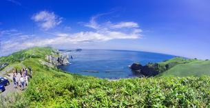 北海道 自然 風景 断崖と海の写真素材 [FYI04604012]