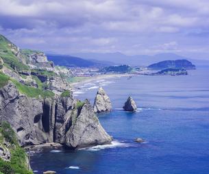 北海道 自然 風景 断崖と海の写真素材 [FYI04604015]