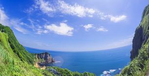 北海道 自然 風景 断崖と海の写真素材 [FYI04604019]