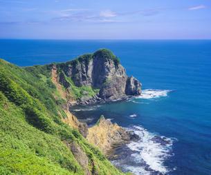 北海道 自然 風景 断崖と海の写真素材 [FYI04604020]