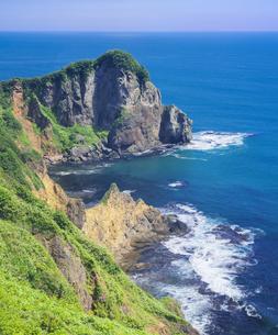 北海道 自然 風景 断崖と海の写真素材 [FYI04604022]