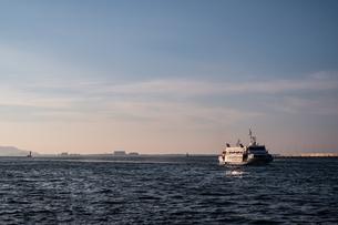 博多港 船のある風景の写真素材 [FYI04605422]