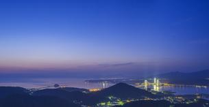 北海道 風景 測量山より室蘭市街遠望 (夕景)の写真素材 [FYI04605553]