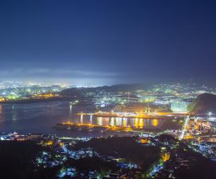 北海道 風景 測量山より室蘭市街遠望 (夕景)の写真素材 [FYI04605560]