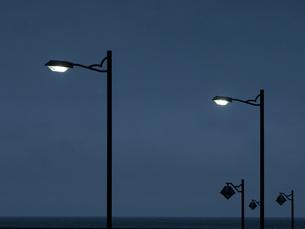 海岸の街燈の写真素材 [FYI04606106]