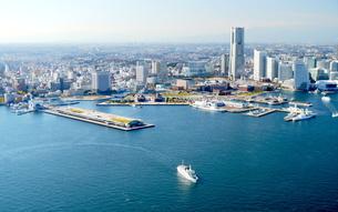 横浜港空撮の写真素材 [FYI04606139]