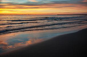 西浜海岸夕景の写真素材 [FYI04607136]