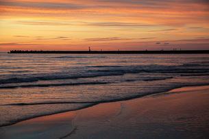 西浜海岸夕景の写真素材 [FYI04607141]