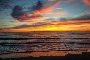 西浜海岸夕景の写真素材 [FYI04607142]
