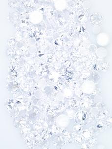 キラキラと輝くダイヤモンドキラの背景の写真素材 [FYI04607470]