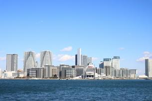 東京湾より開発が進む晴海地区を望むの写真素材 [FYI04607576]