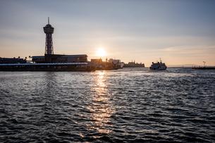 博多埠頭夕景の写真素材 [FYI04608287]