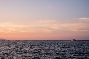 博多湾夕景の写真素材 [FYI04608288]