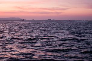 博多湾夕景の写真素材 [FYI04608289]