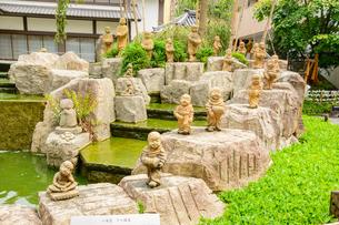 関西の神社仏閣 京都市 六角堂の十六羅漢の写真素材 [FYI04608516]