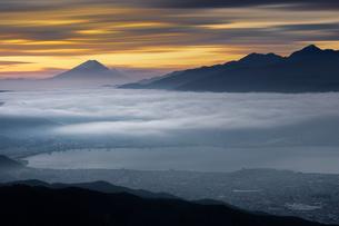 高ボッチ高原から富士山を望むの写真素材 [FYI04608611]
