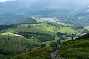 夏の車山山頂からの眺望の写真素材 [FYI04608659]