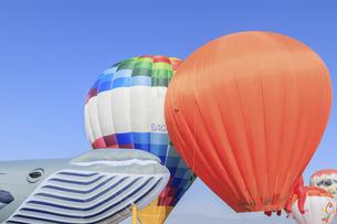 佐賀バルーンフェスタ 日本初の気球と現代の気球 佐賀県佐賀市の写真素材 [FYI04609220]