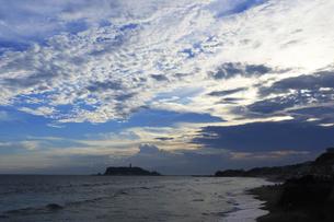 鎌倉 稲村ケ崎の渚の写真素材 [FYI04610313]