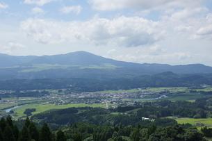 肥薩線からの車窓風景の写真素材 [FYI04610459]