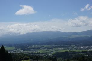 肥薩線からの車窓風景の写真素材 [FYI04610462]