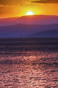 錦江湾の日の出の写真素材 [FYI04610497]