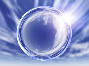 屈折して空を映す透明球体のイラスト素材 [FYI04611143]