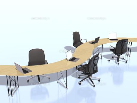 カーブを描いて繋がるテーブルのビジネス環境のイラスト素材 [FYI04611156]