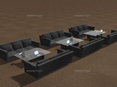 高級ソファーを利用するビジネス環境のイラスト素材 [FYI04611161]
