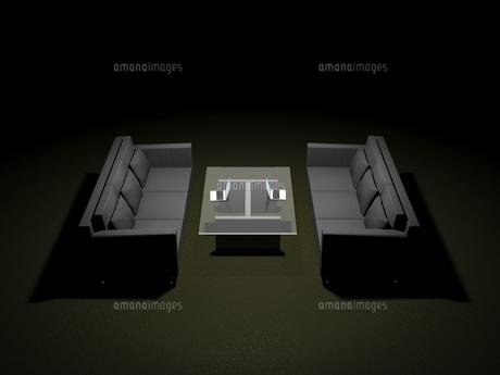 高級ソファーを利用するビジネス環境のイラスト素材 [FYI04611162]