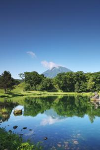 ふきだし公園と羊蹄山の写真素材 [FYI04611930]