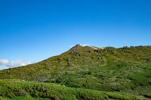 北海道 黒岳山頂周辺の夏の風景の写真素材 [FYI04613509]