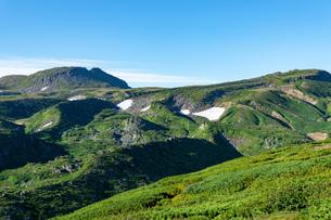 北海道 黒岳山頂周辺の夏の風景の写真素材 [FYI04613553]
