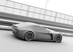 高速道路に走行している電動スポーツカーのクレイレンダリングイメージの写真素材 [FYI04614419]