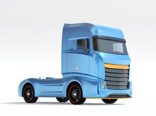 白バックに青色大型電動トラックトラクターのイメージ。オリジナルデザインの写真素材 [FYI04614538]