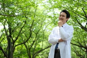 日本人男性医師の写真素材 [FYI04614647]