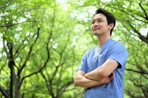 日本人男性医師の写真素材 [FYI04614684]