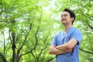 日本人男性医師の写真素材 [FYI04614686]