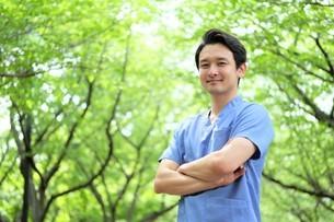 日本人男性医師の写真素材 [FYI04614687]