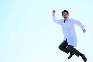 日本人男性医師の写真素材 [FYI04614733]