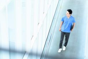 日本人男性医師の写真素材 [FYI04614760]