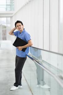 日本人男性医師の写真素材 [FYI04614798]