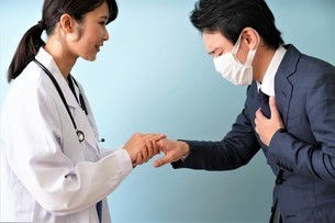 女性医師の診療の写真素材 [FYI04614866]