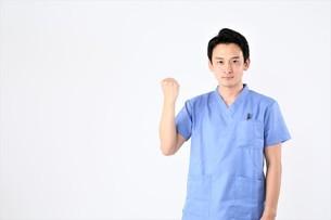 日本人男性医師の写真素材 [FYI04614900]